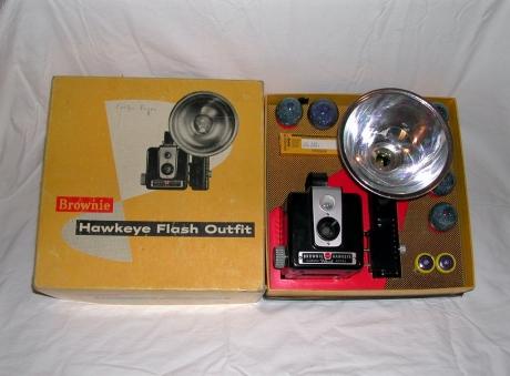 Kodak_Brownie_Hawkeye_Camera_Flash_Model_Un-used_in_Box_1950-61_DSCN2120
