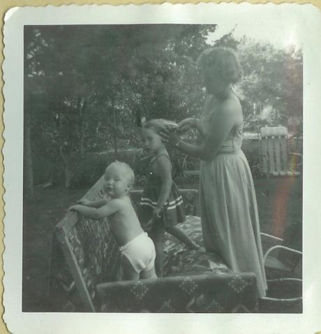 1949-Jim, Karen, Mommy